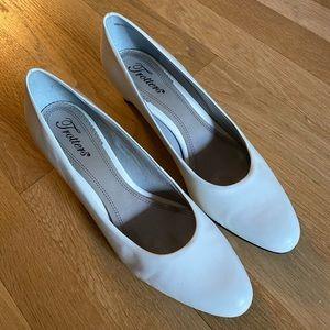 Trotters white heels